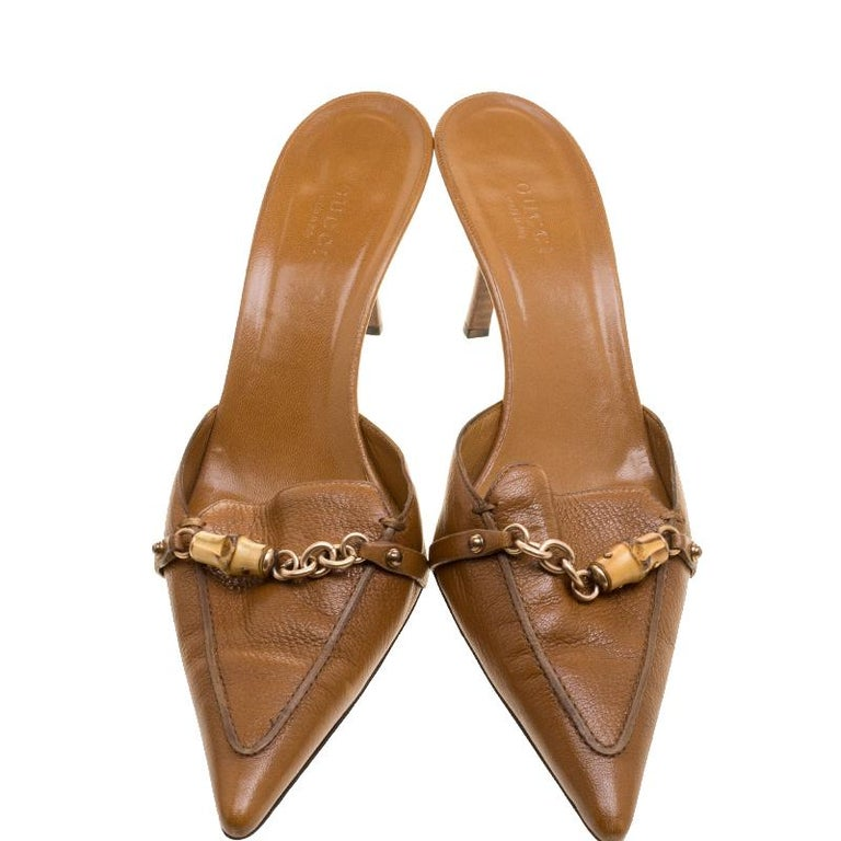 e13986d08b4a9 Gucci Brown Leather Bamboo Detail Pointed Toe Slides Size 38.5 In Good  Condition For Sale In