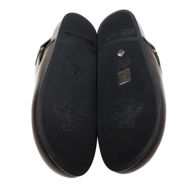 Gucci Brown Leather River Horsebit Slippers Size 43 In New Condition In Dubai, Al Qouz 2