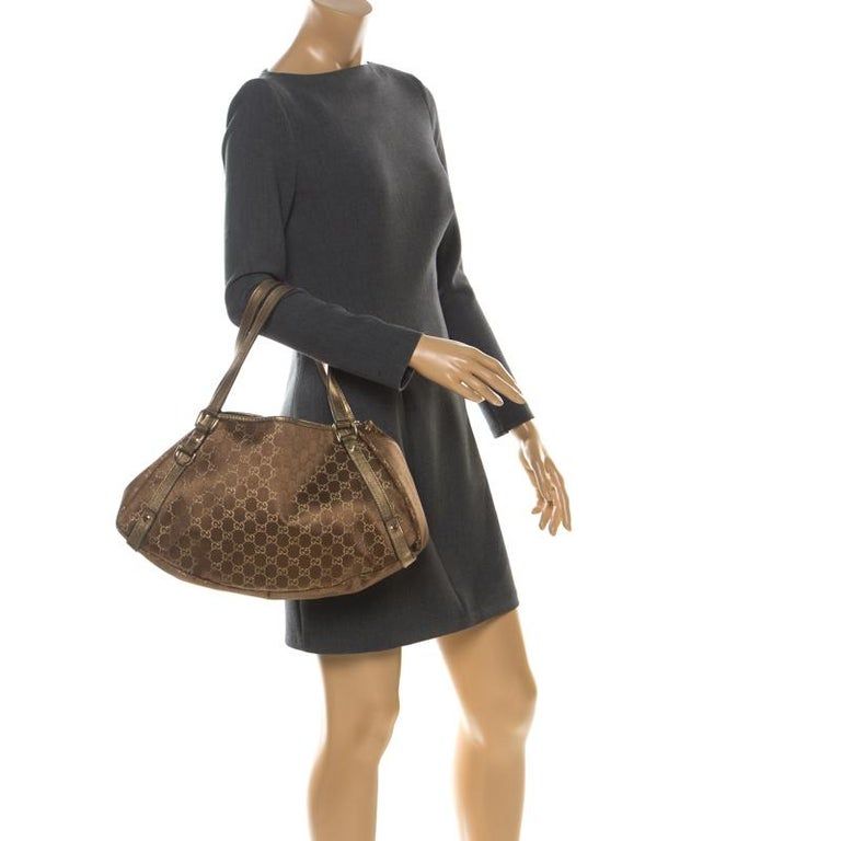Gucci Brown/Metallic GG Canvas and Leather Medium Jacquard Pelham Shoulder Bag In Good Condition For Sale In Dubai, Al Qouz 2