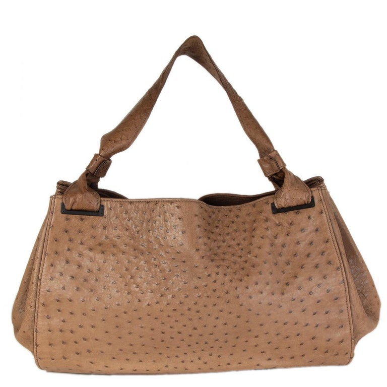 GUCCI brown Ostrich leather LARGE Shoulder Bag In Excellent Condition For Sale In Zürich, CH