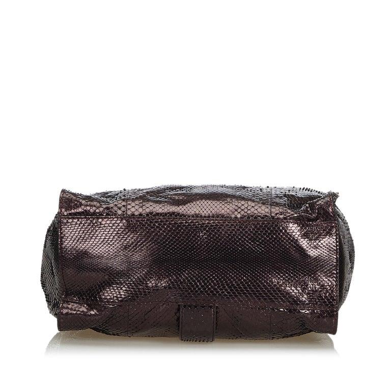 Gucci Brown Python Soft Stirrup Shoulder Bag In Good Condition For Sale In Orlando, FL