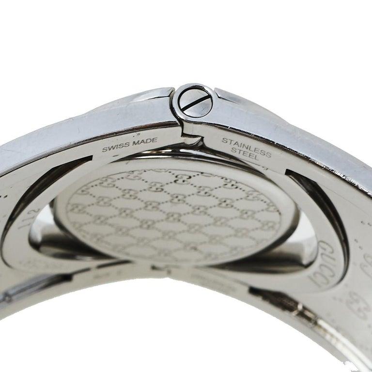 Gucci Brown Stainless Steel GG Canvas Twirl YA112425 Women's Wristwatch 33 mm In Good Condition For Sale In Dubai, Al Qouz 2