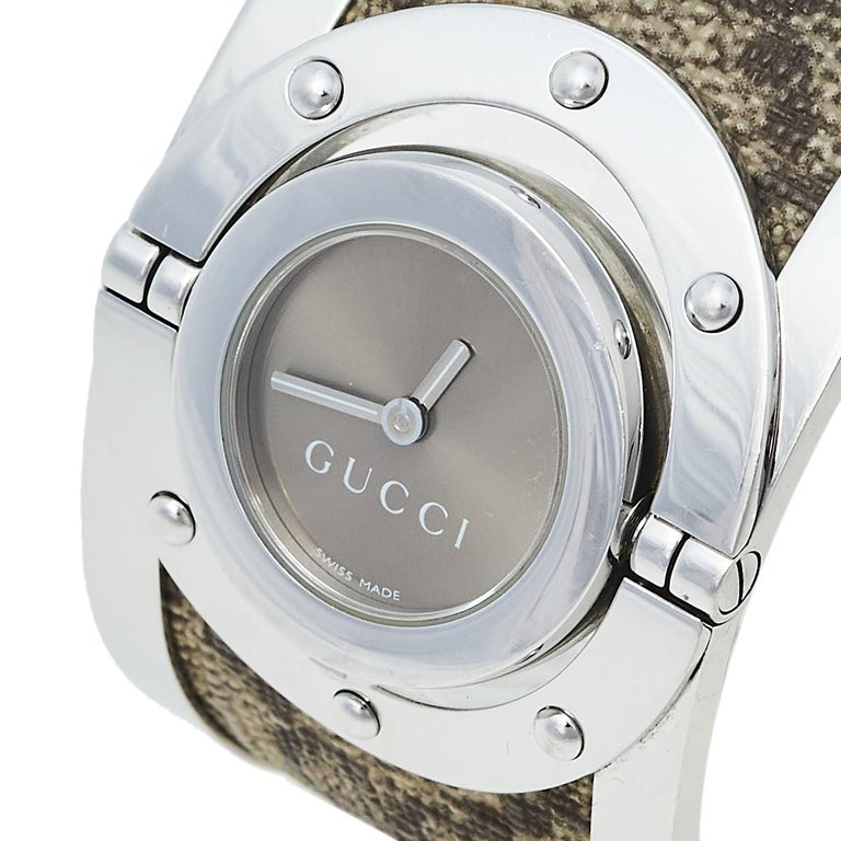 Gucci Brown Stainless Steel GG Canvas Twirl YA112425 Women's Wristwatch 33 mm For Sale 3