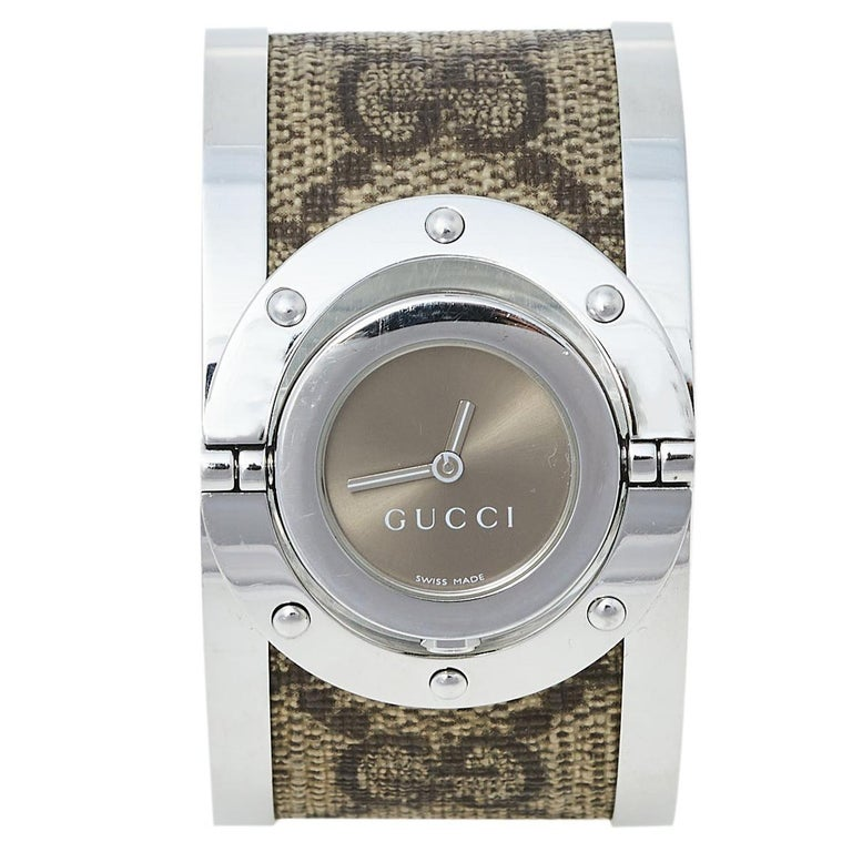 Gucci Brown Stainless Steel GG Canvas Twirl YA112425 Women's Wristwatch 33 mm For Sale