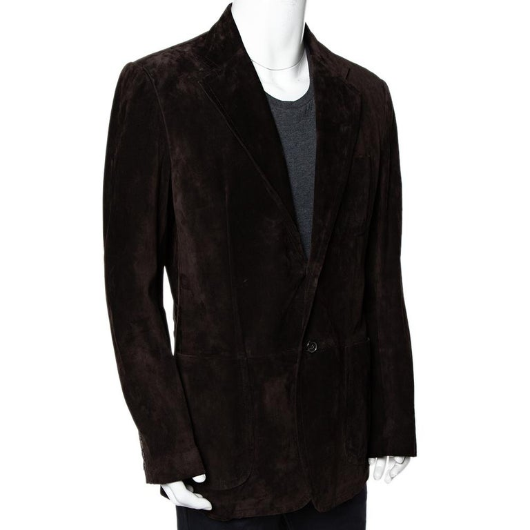 Stylish and fashion-forward is what this Gucci jacket will make you feel. Designed for the modern man, this suede jacket guarantees comfort. Coming in a brown shade, this jacket comes with a buttoned closure at the front.
