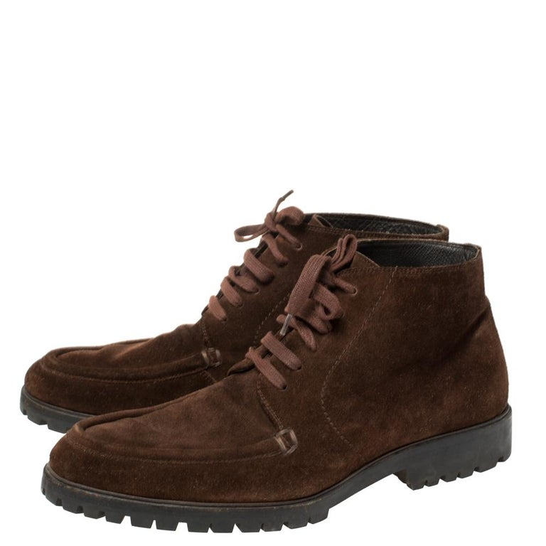 Gucci Brown Suede Lace Up Ankle Boots Size 45 In Good Condition For Sale In Dubai, Al Qouz 2
