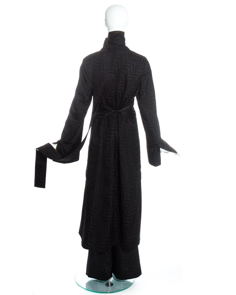 Gucci by Tom Ford black silk oversized pant suit with Obi belt, fw 2002  For Sale 4