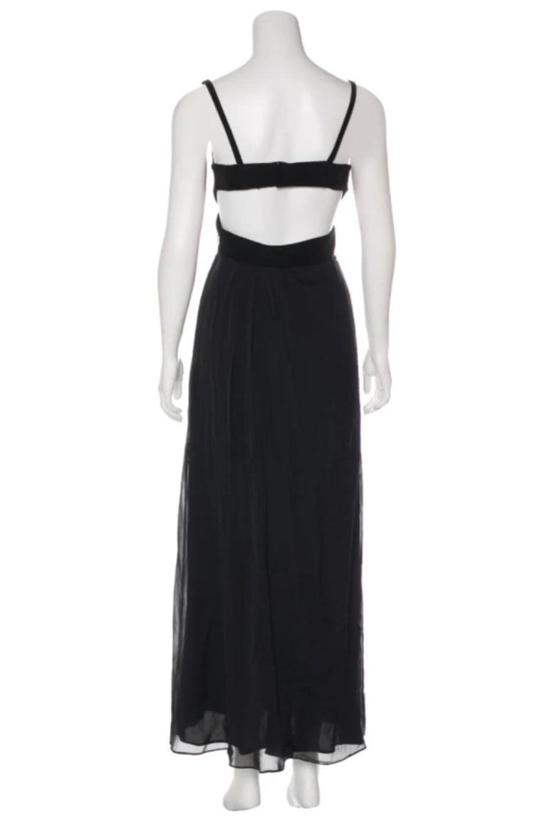 Gucci by Tom Ford black silk sleeveless dress with cut out In Excellent Condition For Sale In Austin, TX