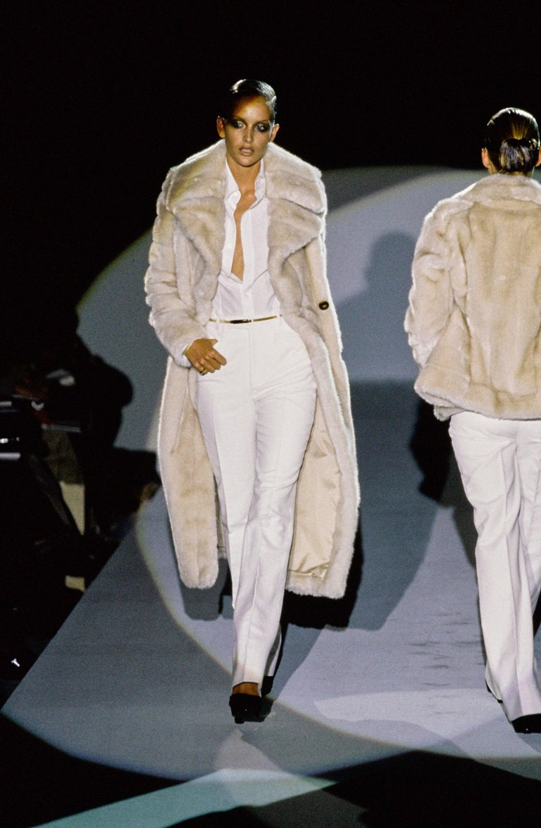 Beige Gucci by Tom Ford cream faux fur double breasted coat, fw 1996 For Sale
