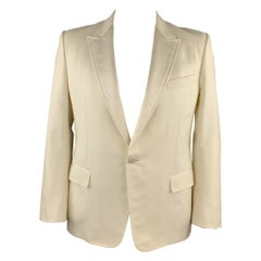 GUCCI by TOM FORD Size 46 Cream Woven Satin Peak Lapel Tuxedo Jacket