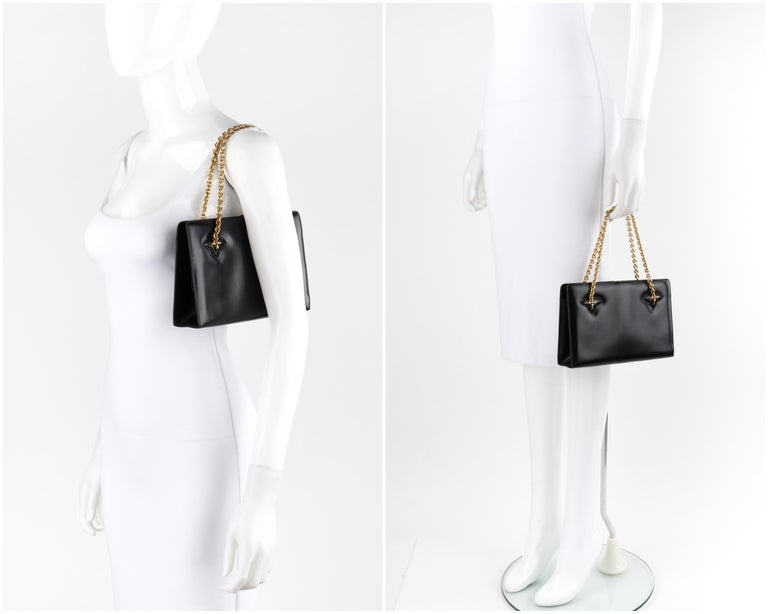 GUCCI c.1960's Black Leather Gold Chain Link Push Lock Structured Handbag RARE In Good Condition For Sale In Thiensville, WI