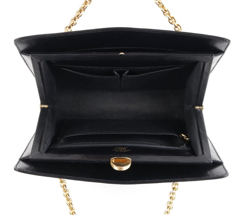 GUCCI c.1960's Black Leather Gold Chain Link Push Lock Structured Handbag RARE For Sale 1