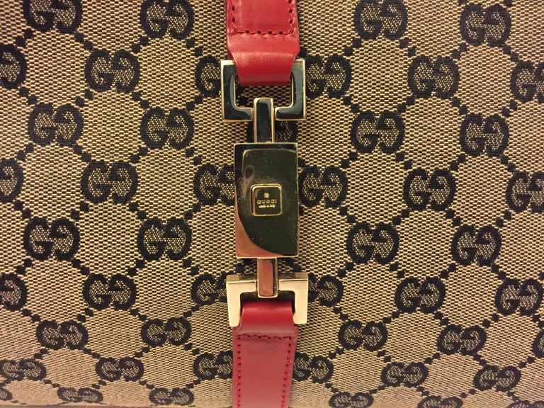 Gucci canvas monogram red piping handbag In Excellent Condition For Sale In Sheung Wan, HK