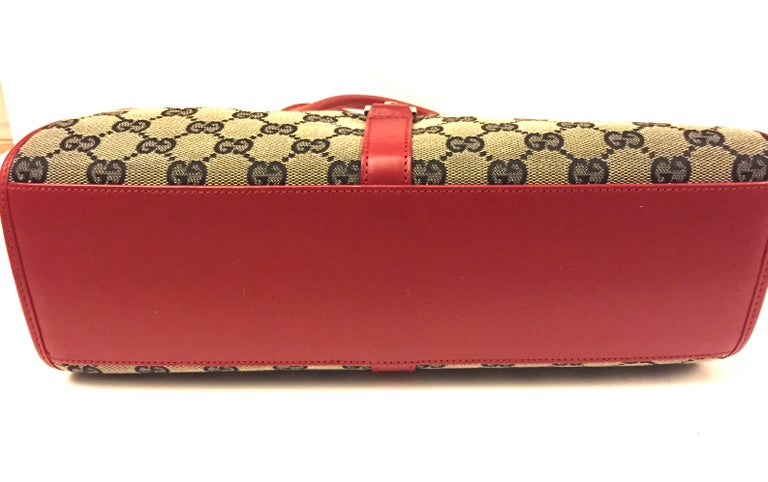 Women's Gucci canvas monogram red piping handbag For Sale