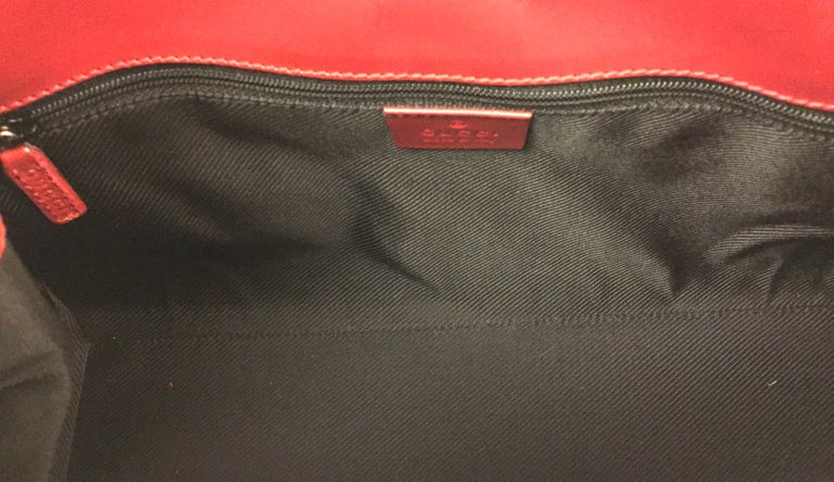 Gucci canvas monogram red piping handbag For Sale 1
