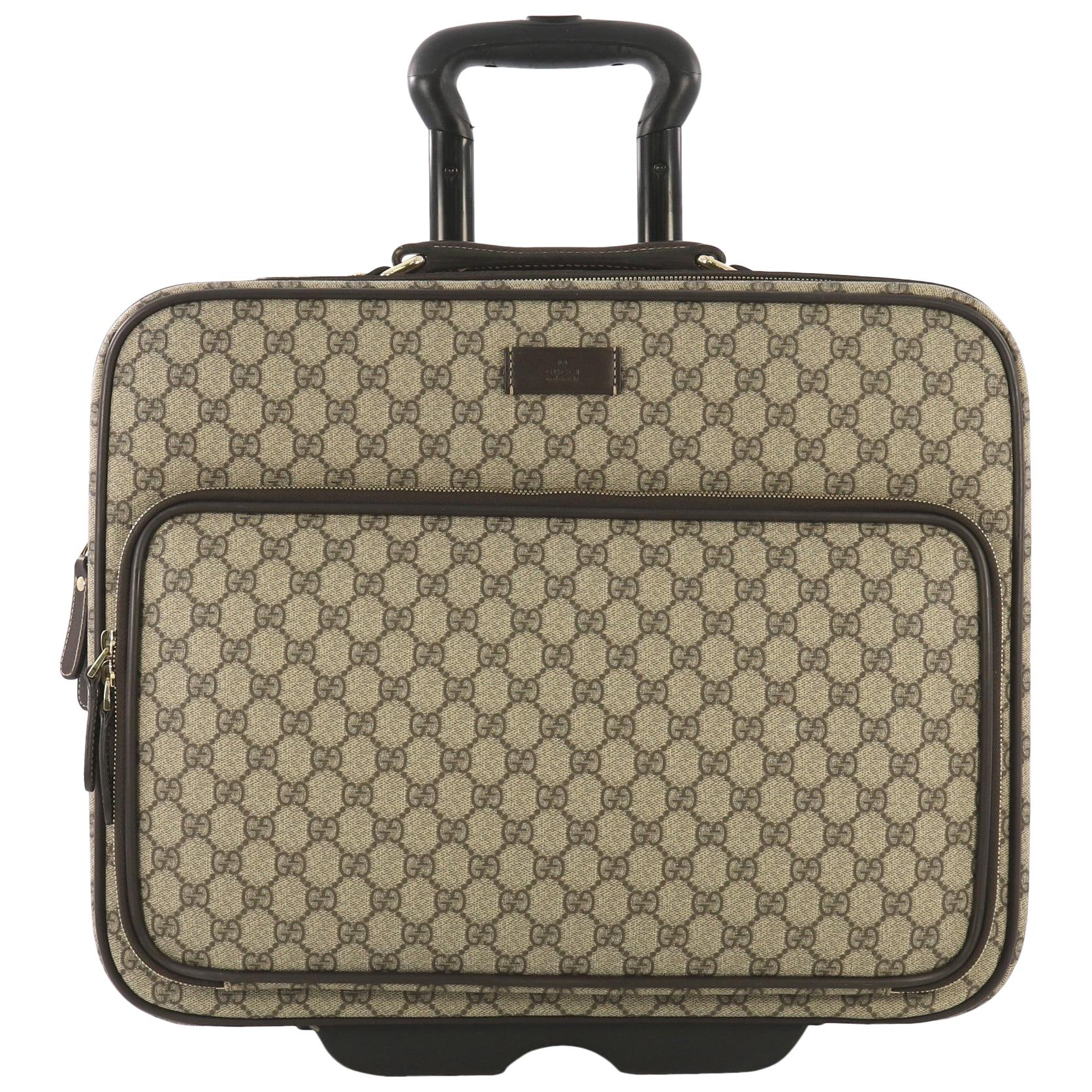 59c77385d Vintage Gucci Luggage and Travel Bags - 56 For Sale at 1stdibs