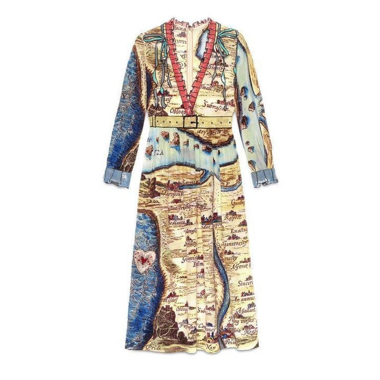 5f11cd715 GUCCI Carte De Tendre Silk Print Dress IT42 US 6-8 For Sale at 1stdibs