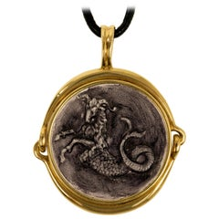 Gucci Carved Glass Intaglio and Gold Capricorn Zodiac Pendant
