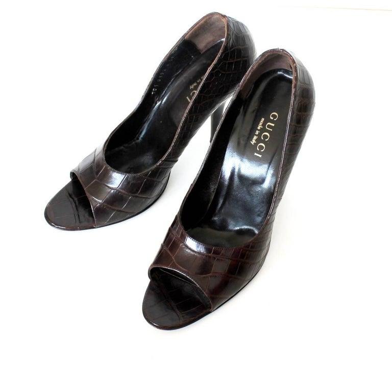Black Gucci Chocolate Brown Alligator Skin High Heel Peep Toes Sandals For Sale