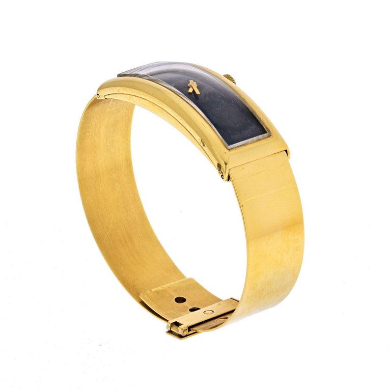 Modern Gucci circa 1970s 18 Karat Yellow Gold Vintage Rectangular Watch