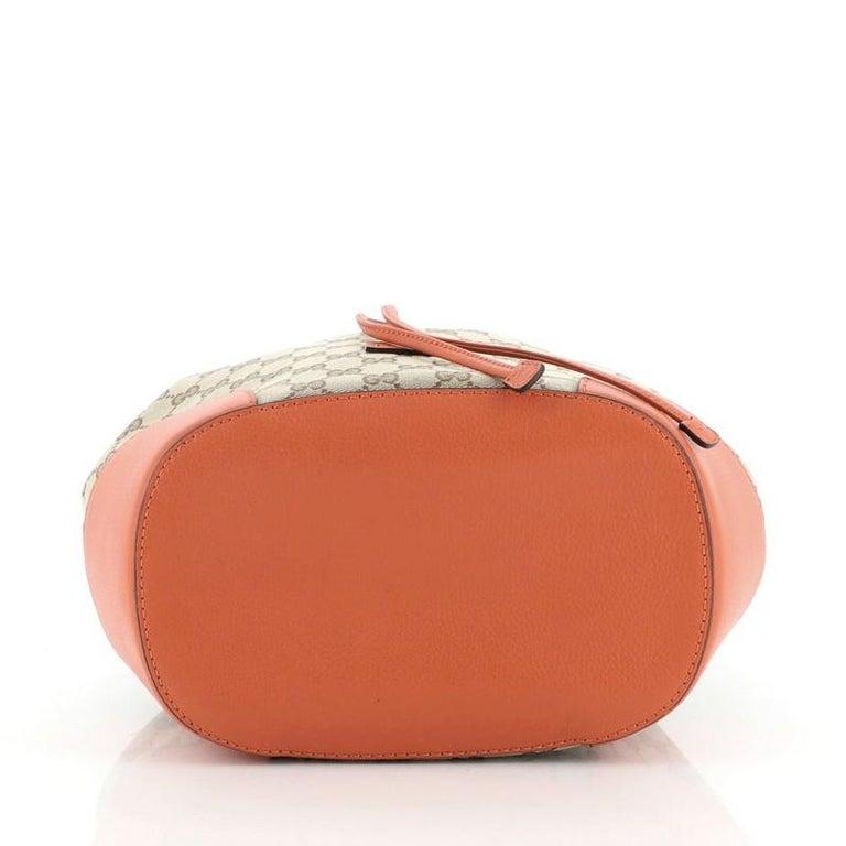 Women's or Men's Gucci Classic Bucket Bag GG Canvas Medium For Sale