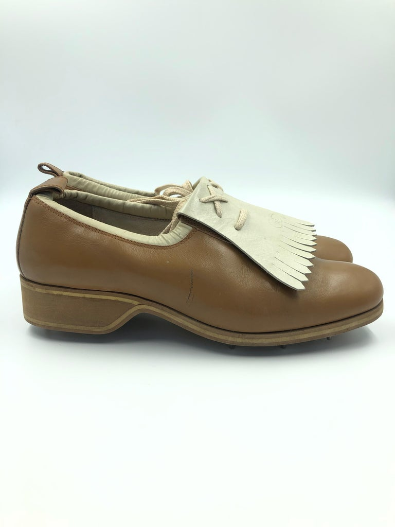 Gucci Collectors Vintage Golf Shoe with Cleats Tan and Cream For Sale 8