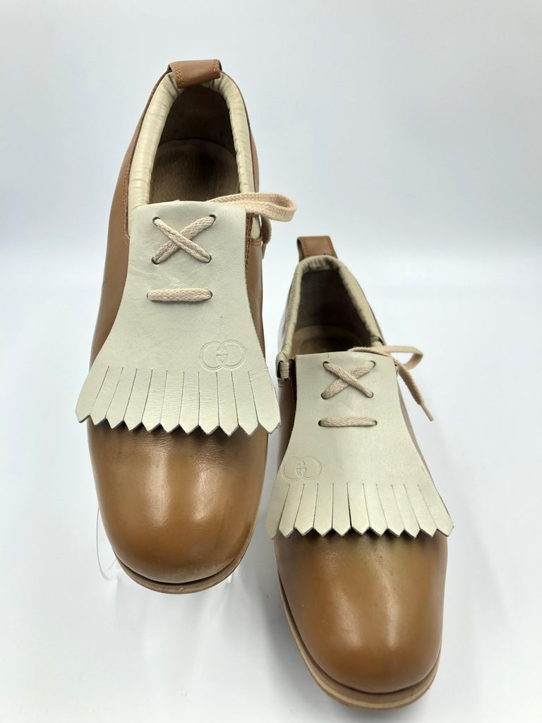 Gucci Collectors Vintage Golf Shoe with Cleats Tan and Cream For Sale 10