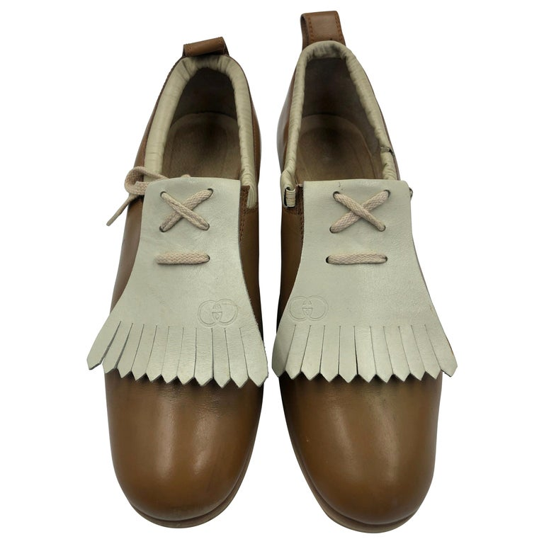 Gucci Collectors Vintage Golf Shoe with Cleats Tan and Cream For Sale