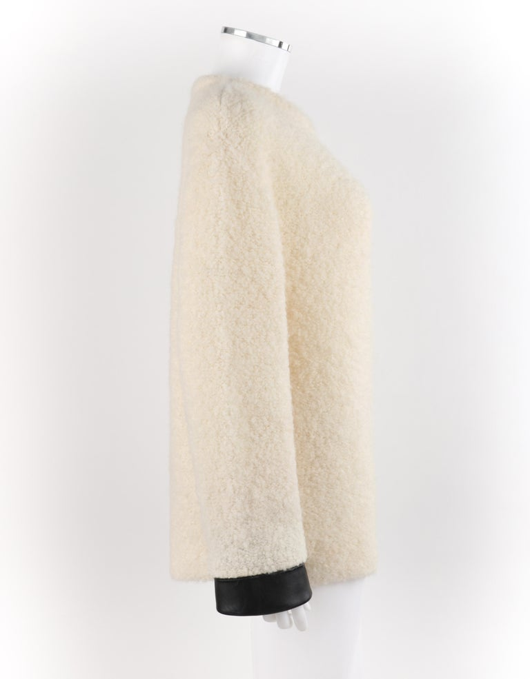 GUCCI Cream Boucle Alpaca Wool Knit Leather Cuffs Oversize Pullover Sweater For Sale 2