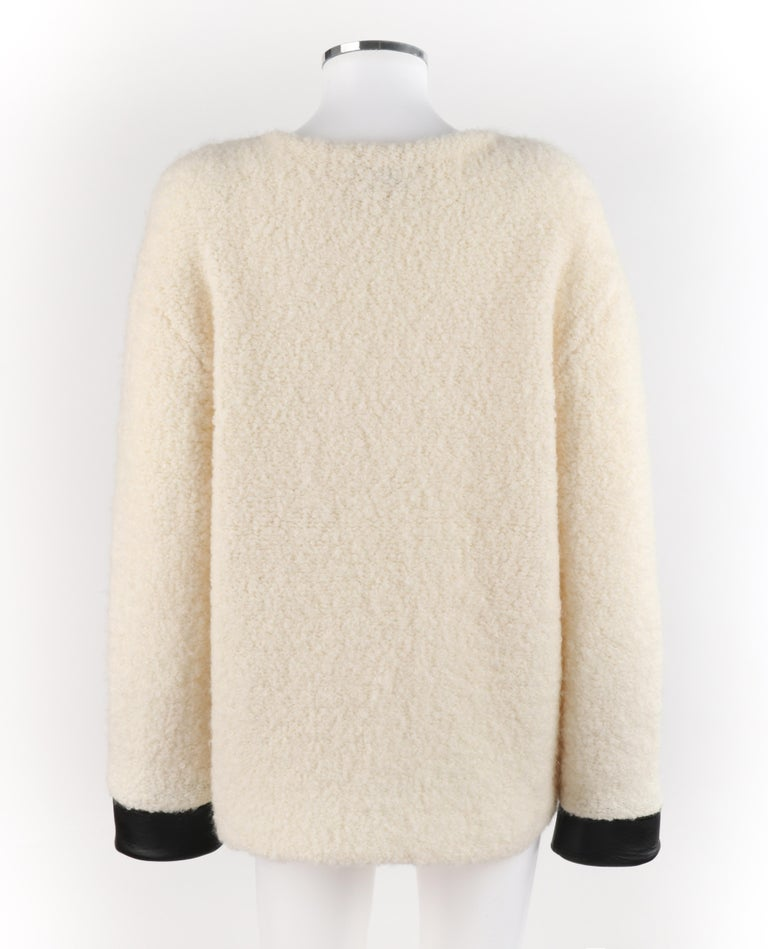 GUCCI Cream Boucle Alpaca Wool Knit Leather Cuffs Oversize Pullover Sweater For Sale 3