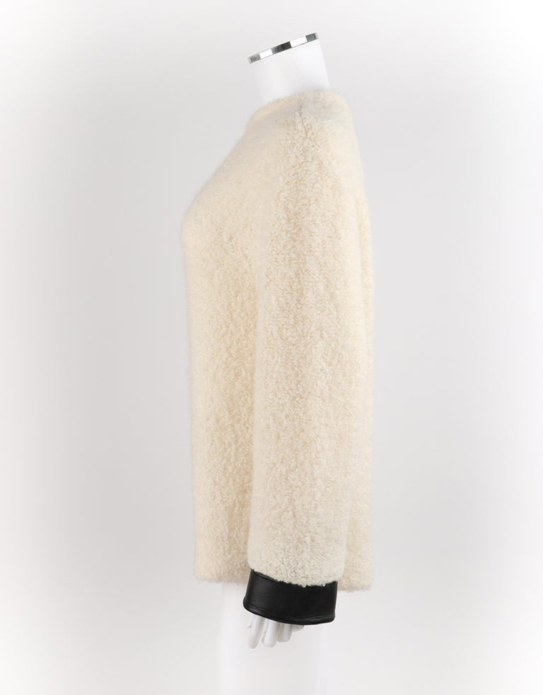 GUCCI Cream Boucle Alpaca Wool Knit Leather Cuffs Oversize Pullover Sweater For Sale 4