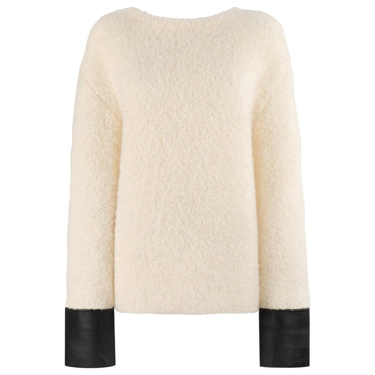 GUCCI Cream Boucle Alpaca Wool Knit Leather Cuffs Oversize Pullover Sweater For Sale