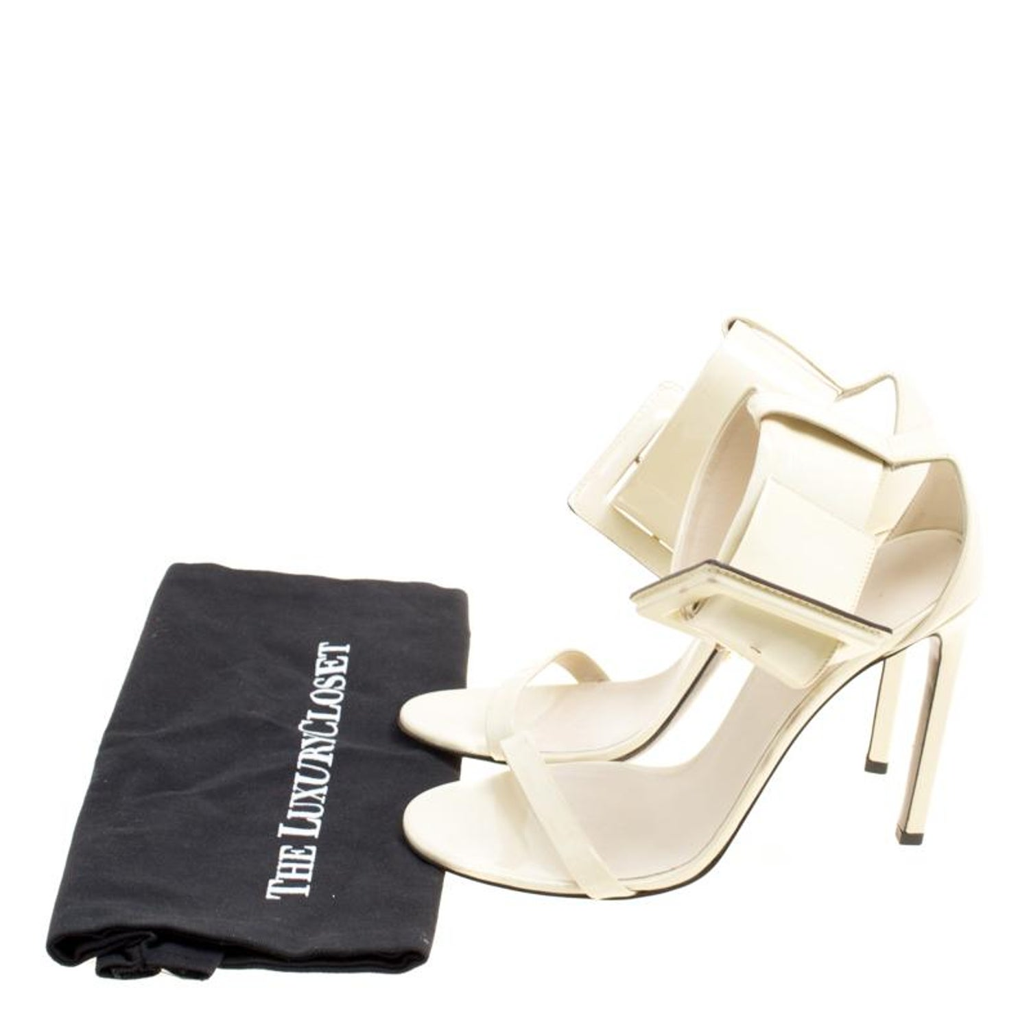 27eb98d63 Gucci Cream Buckled Patent Leather Sandals Size 39 For Sale at 1stdibs