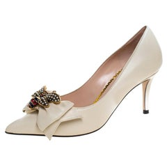 Gucci Cream Leather Embellished Bow Queen Margaret Pumps Size 36.5