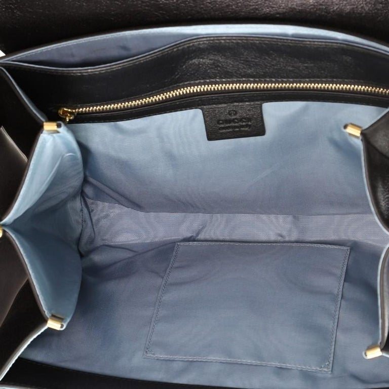Women's or Men's Gucci Crystal Animalier Shoulder Bag Leather Medium For Sale