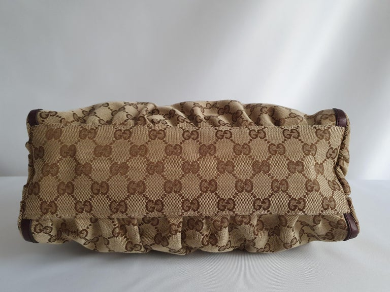 Gucci, D-ring Hobo in brown canvas In Good Condition For Sale In Clichy, FR