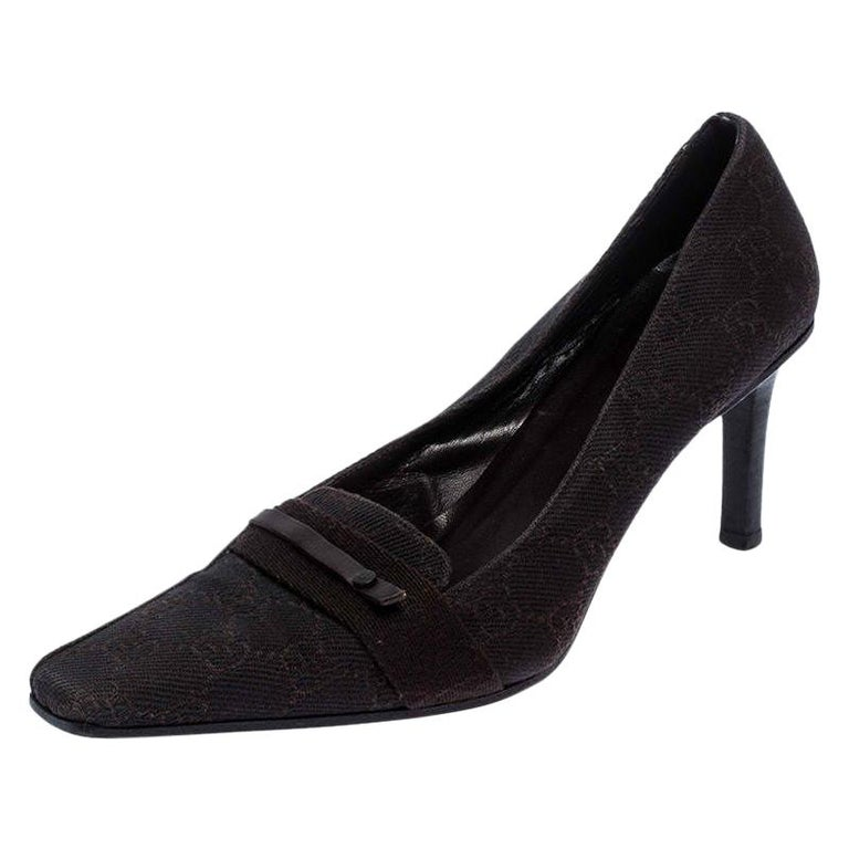 Gucci Dark Brown GG Canvas Square Toe Pumps Size 38 For Sale
