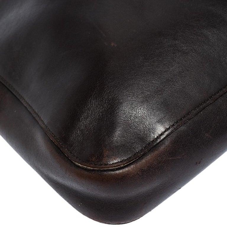 Gucci Dark Brown Leather Vintage Metal Handle Shoulder Bag For Sale 2