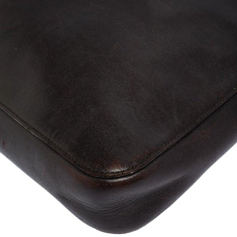 Gucci Dark Brown Leather Vintage Metal Handle Shoulder Bag For Sale 3