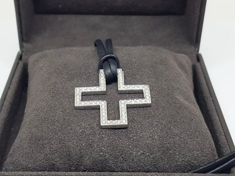Gucci Diamond Cross Pendant White Gold 1.06 Carat For Sale 10