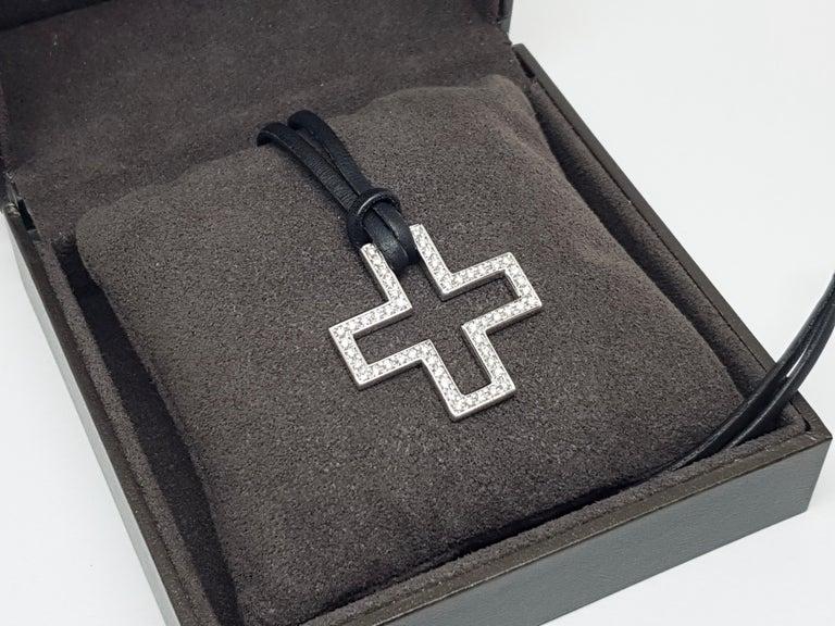 Gucci Diamond Cross Pendant White Gold 1.06 Carat For Sale 11