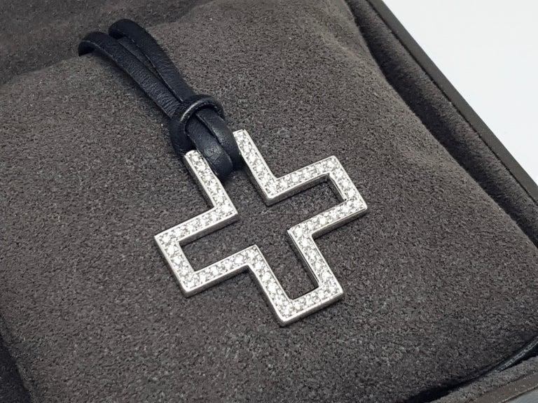Gucci Diamond Cross Pendant White Gold 1.06 Carat For Sale 12