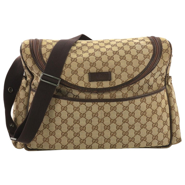 f52de465f Gucci Diaper Crossbody Bag GG Canvas For Sale at 1stdibs