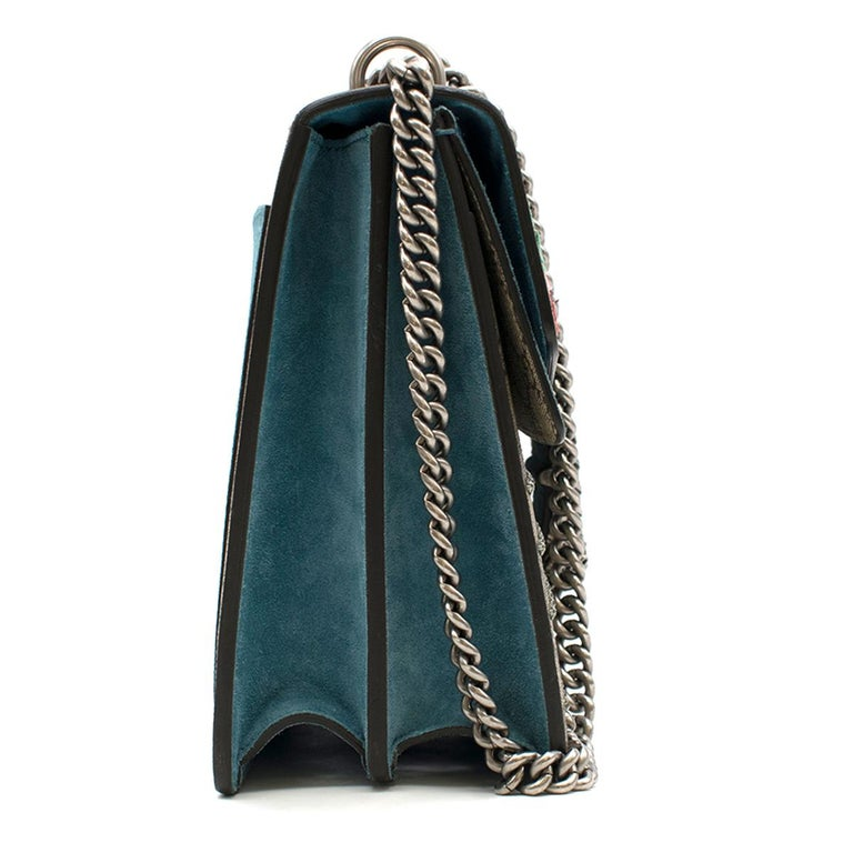 e5bb42535bb0 Gucci Dionysus supreme medium tiger head embroidered shoulder bag - Tonal- beige, GG Supreme