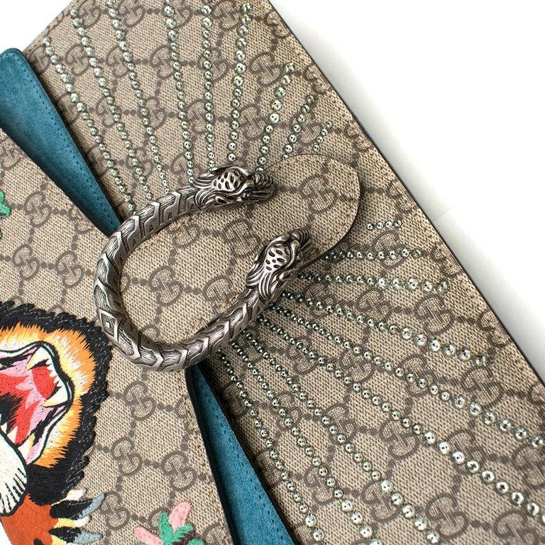 93fc4c9592e3 Gucci Dionysus supreme medium tiger head embroidered shoulder bag For Sale 1