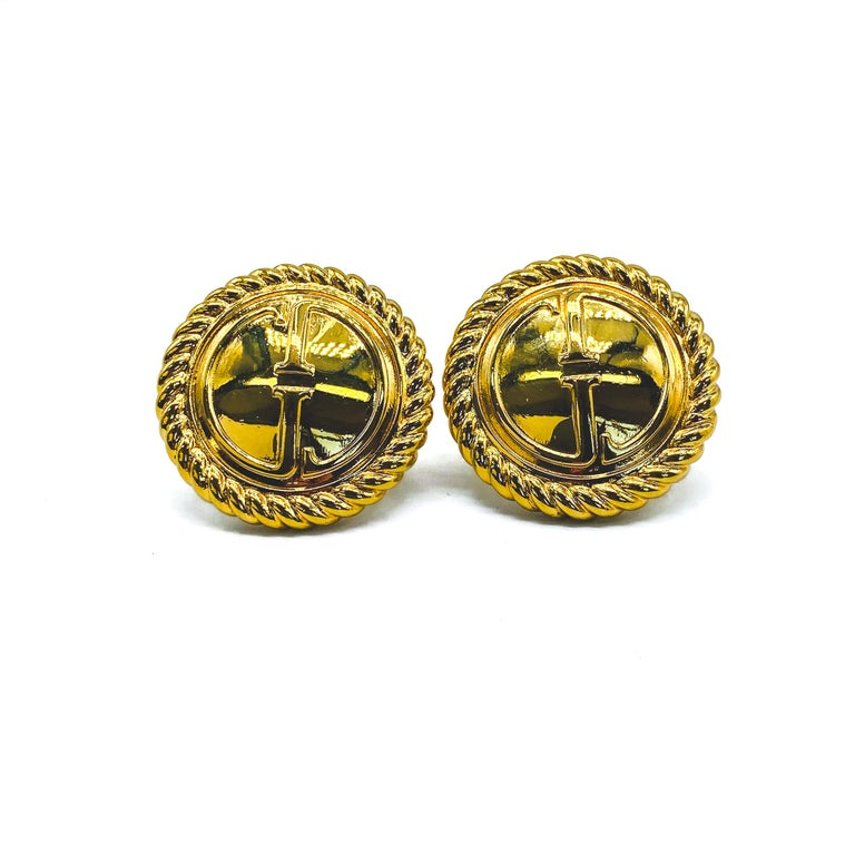 Gucci Vintage 1990s Clip On Earrings  Rare and collectable Tom Ford era GG earrings made for the 1994 collection   Detail -Made in Italy in 1994 -Crafted from gold plated metal -Features the iconic double G logo  Size & Fit -Measure approx 1.2