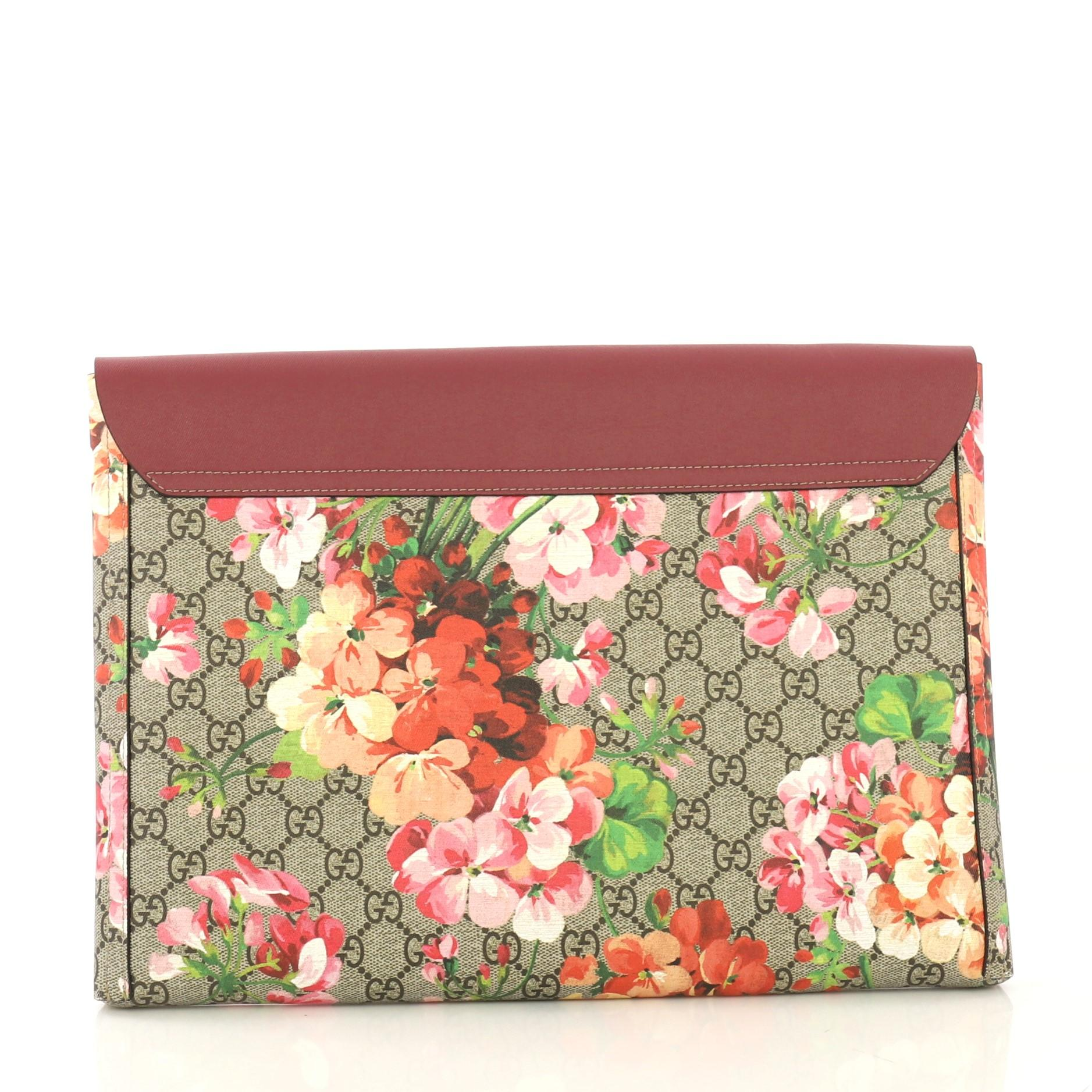 cf660123a47 Gucci Envelope Clutch Blooms Print GG Coated Canvas and Leather Large For  Sale at 1stdibs