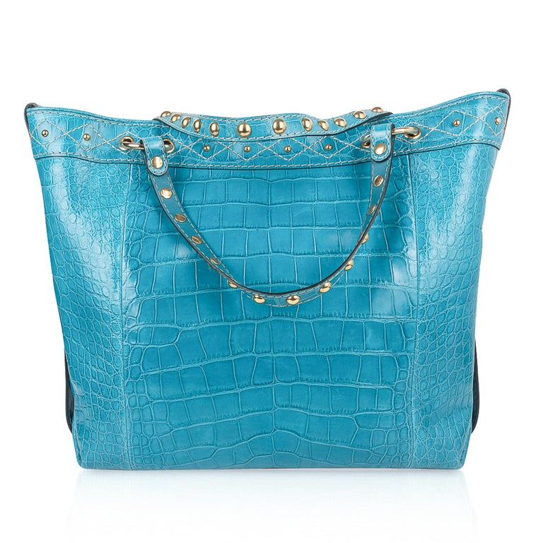 Gucci Exclusive Limited Edition Turquoise Crocodile Irina Tote Bag New For Sale 6