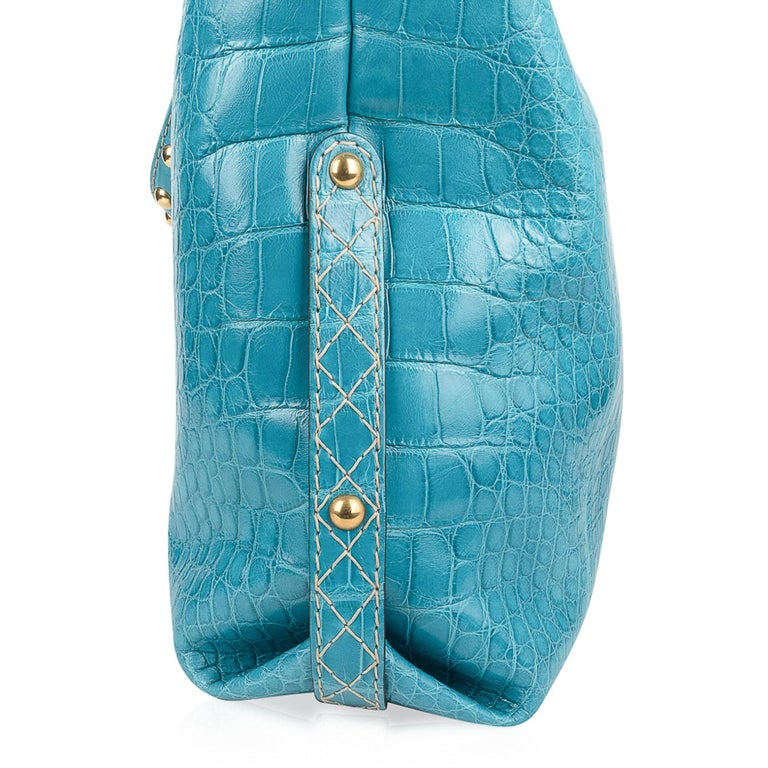 Gucci Exclusive Limited Edition Turquoise Crocodile Irina Tote Bag New For Sale 2