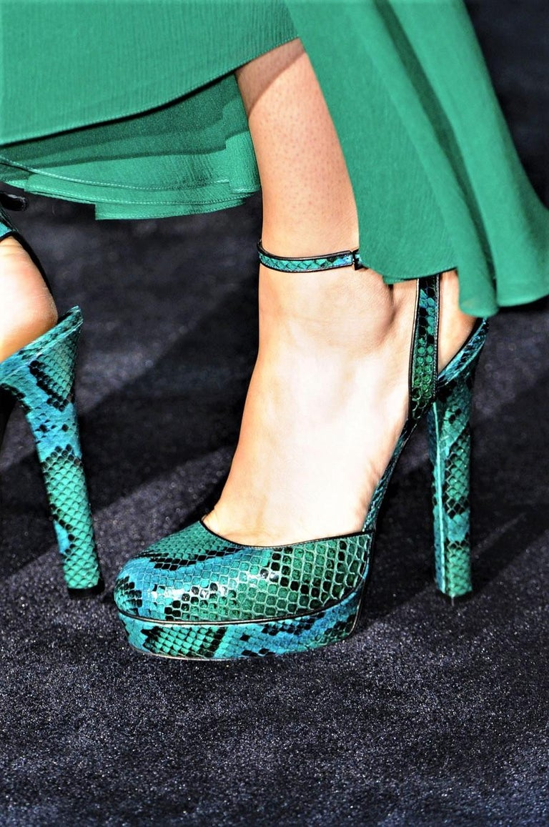 Gucci 90th Anniversary Fall Runway Python Skakeskin Pump Heels Sz 37   $2425 For Sale 14